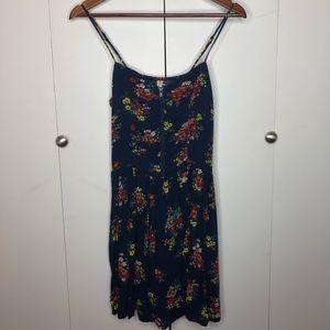 Retro floral print sun dress with pockets!